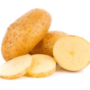 PATATA FREIR potato isolated on white background 1000p